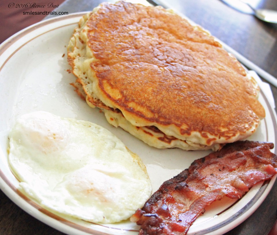5820-all-american-diner-pancakes-eggs-and-bacon