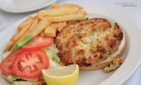 6334-lighthouse-crab-cakes-sandwich