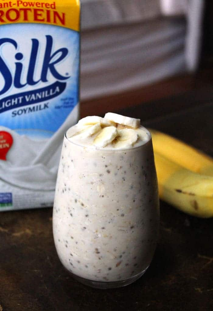 5-Ingredient Peanut Butter Banana Overnight Oats