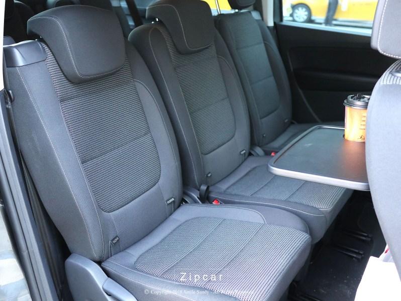 Zipcar Sharan 第二排座位。