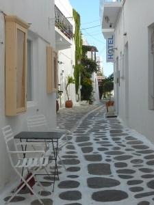 Dans les petites rues de Parikia