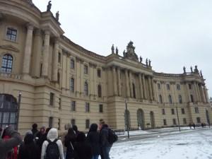 Bebelplatz et la Alte Bibliothek