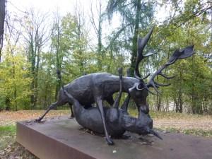 Une statue originale dans le parc !