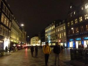 La rue piétonne by night