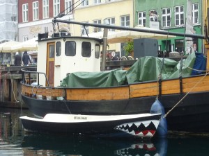 Une barque originale...!