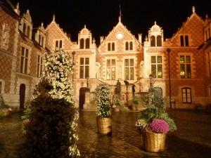 La superbe mairie d'Orléans, qui se visite gratuitement y compris le soir