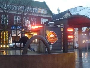 Le stand de hotdogs le plus célèbre d'Islande, testé par Benoît !