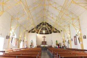 La charpente de l'église est étonnante