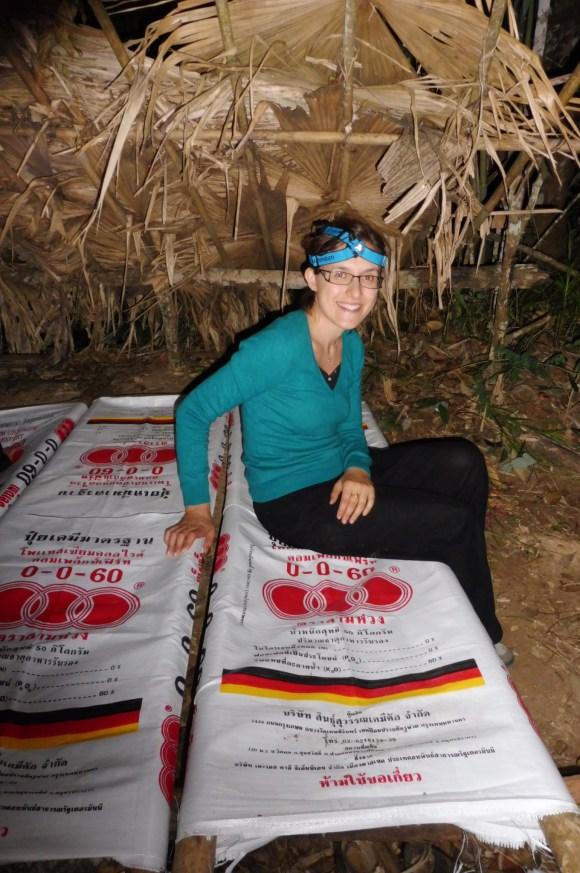 """Les """"hamacs"""" en sacs de riz"""