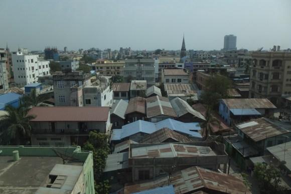 Vue sur Mandalay depuis notre chambre