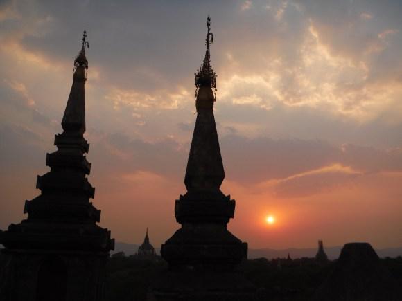Premier coucher de soleil sur la terrasse du ***