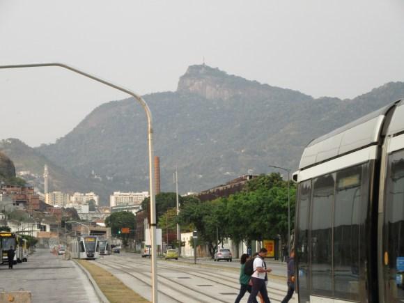 Arrivée à Rio ! Au loin, le Christ