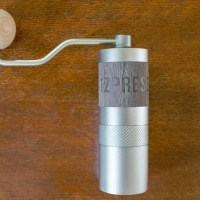 1Zpresso Q2 Review: The Perfect Travel Grinder?