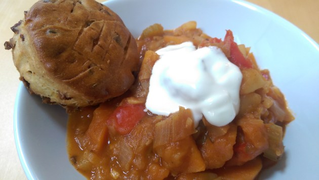 Hungarian goulash and pogácsa scone