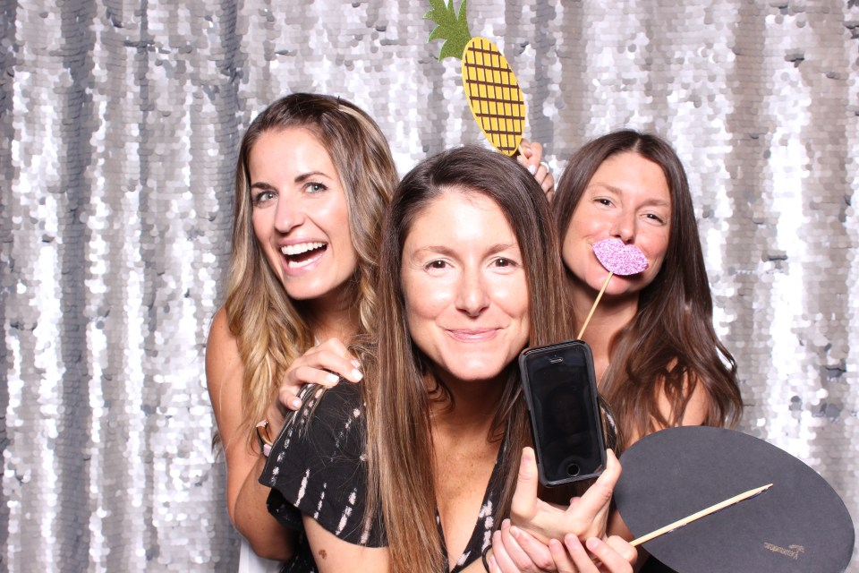 Smirk photo booth pdx