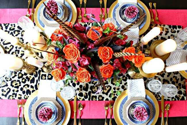 Want to infuse a little life into your dining room? Take a look at these alternative and colorful Thanksgiving table decor tips and ideas that stray far from the norm. #ThanksgivingTablescape #BohoLuxeHome