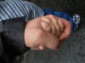 Holding hands, スミス英会話大津校
