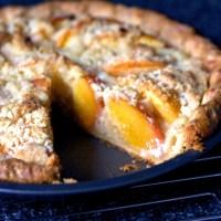 peach and crème fraîche pie