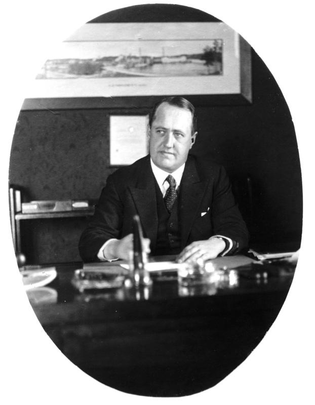 Klubin toinen kommodori Walter Gräsbäck (1932 - 1936). Kuva vuodelta 1936 (SMK)