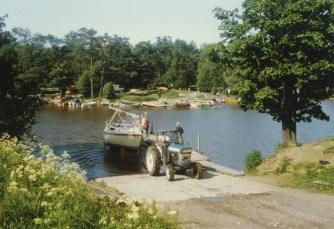 PornaistenniemivesillelaskuVantaanjokeen1983M