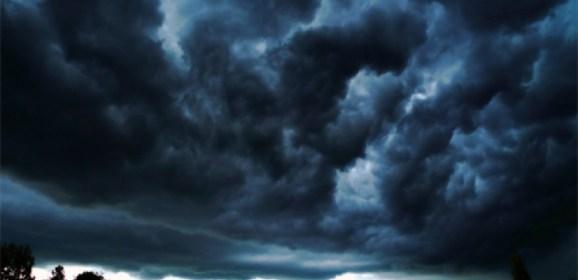 Atentionare meteo: furtuna si racire accentuata. Vedeti cat vor cobori temperaturile