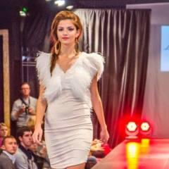 Rochie a Ioanei Calin scoasa la vanzare iar banii obtinuti vor fi donati unui copil sarac