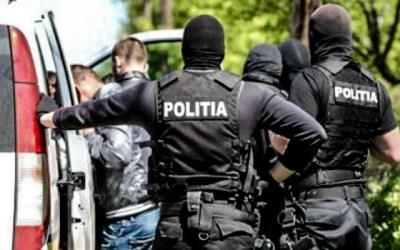 Sătmărean urmărit internaţional depistat de poliţişti