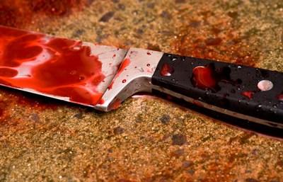O satmareanca si-a injunghiat fata de 17 ani cu un cutit