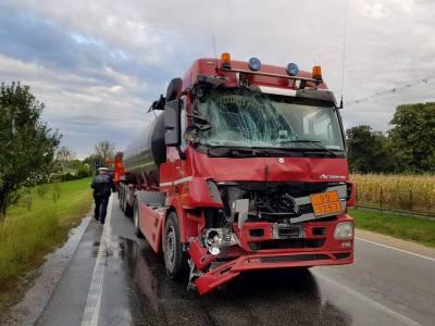 Accident intre doua cisterne in Livada