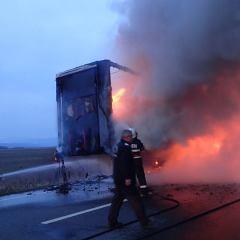 Incendiu la un TIR între localitățile Iojib și Livada