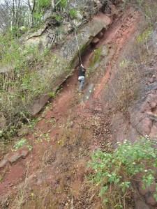 Aufsammeln am Steilhang
