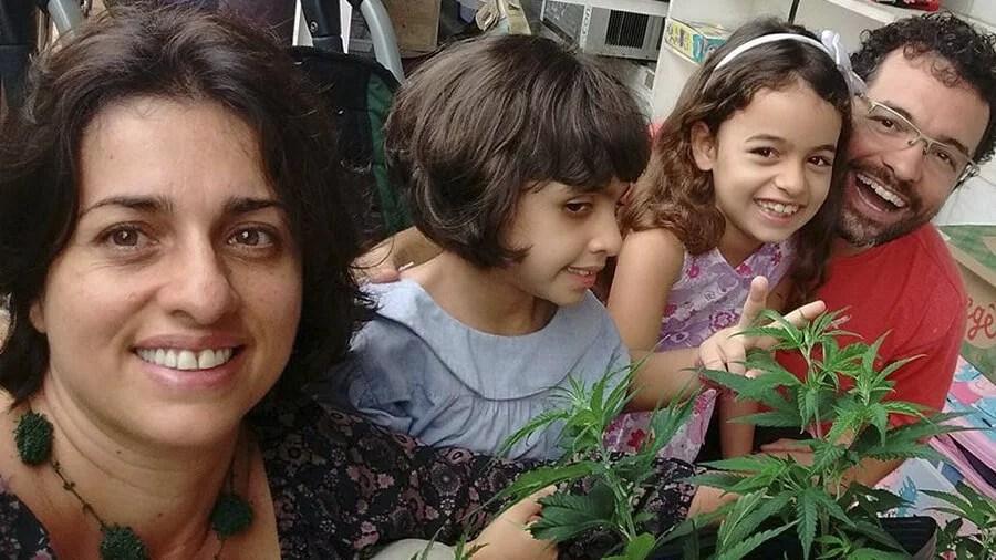 decisao inedita garante direito de familia cultiva maconha para fins medicinais Salvo conduto garante cultivo de maconha medicinal para família brasileira