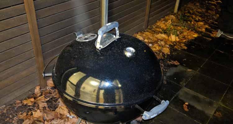 Smoking on a weber kettle