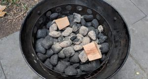 Charcoal arranged for the minion method