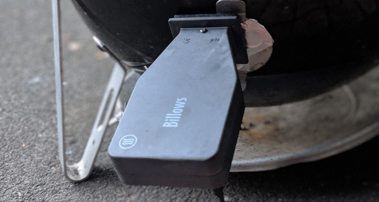 ThermoWorks Billows bbq temperature controller plugged into weber smokey mountain