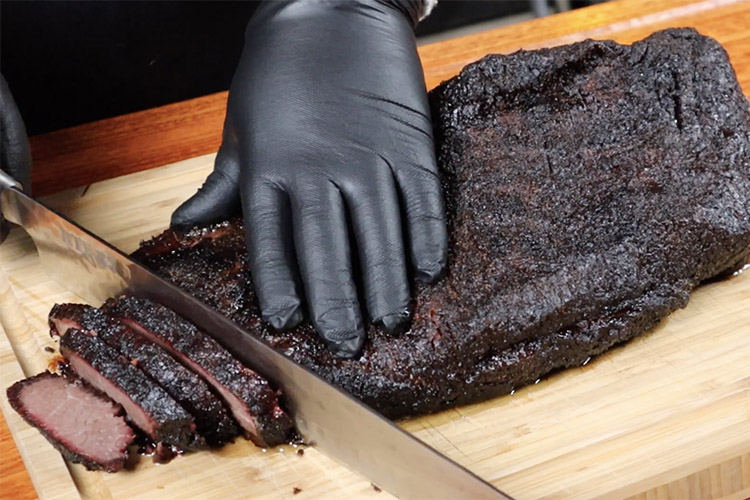 slicing the flat part of the brisket