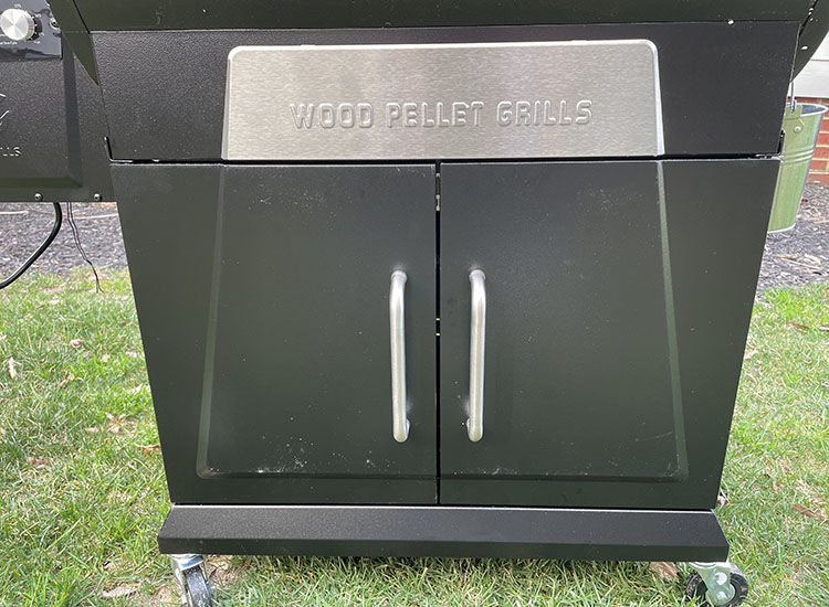 z grills 700d3 storage space
