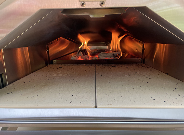 inside the Ooni Pro 16 pizza oven