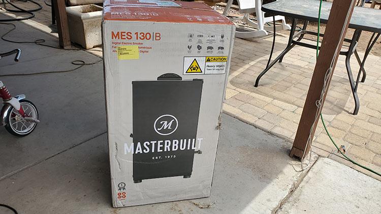 Masterbuilt MB20071117 Electric Smoker Packaging