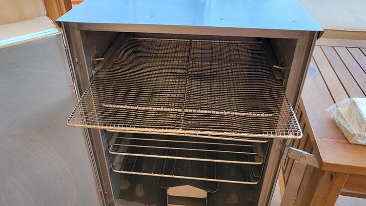 Smokin Tex Pro 1400 with an open door