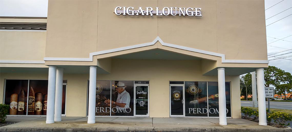 Smoke Rings '72 Cigar & Pipe