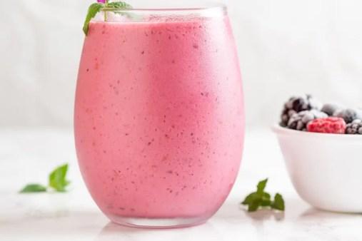 raspberry chia seeds smoothie