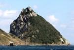 トトロに見えると話題の長崎の「トトロ岩」よりもトトロに見える岩が石川県にあった件について