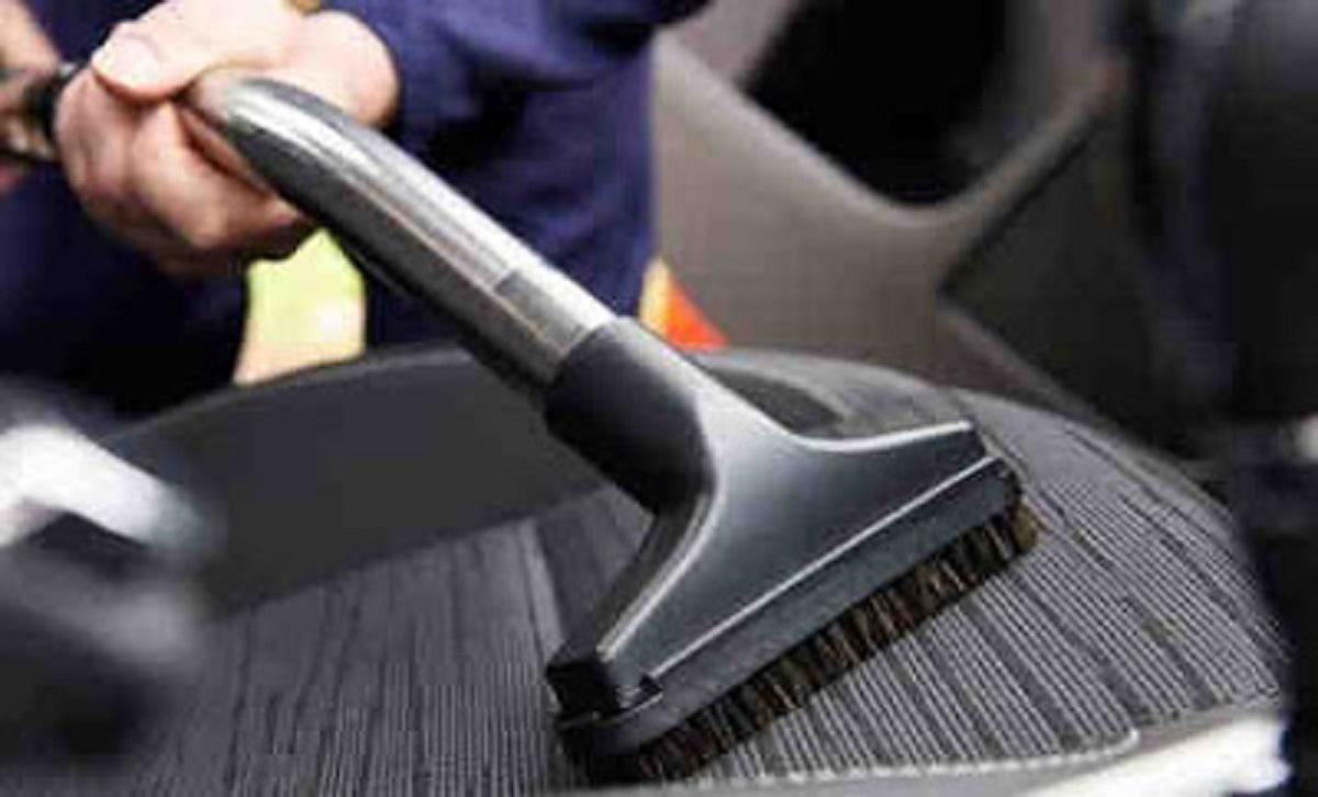 Cara Menghilangkan Bau Tak Sedap Dalam Kabin Mobil