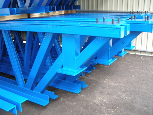 Blå fackverk på lager