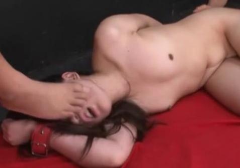 縛られてセックス