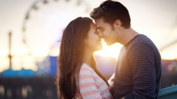 10-WAYS-TO-FACILITATE-A-STRONG-RELATIONSHIP-
