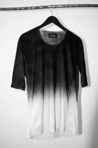 スプレープリント Tシャツ