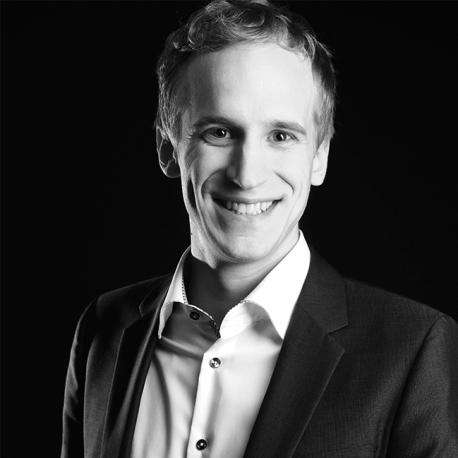 Dr. Lukas Mezger