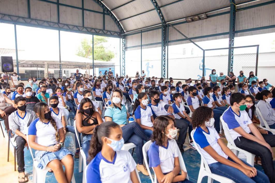 Mais de mil alunos aprendem sobre os perigos do bullying com apresentação teatral em Araguaína